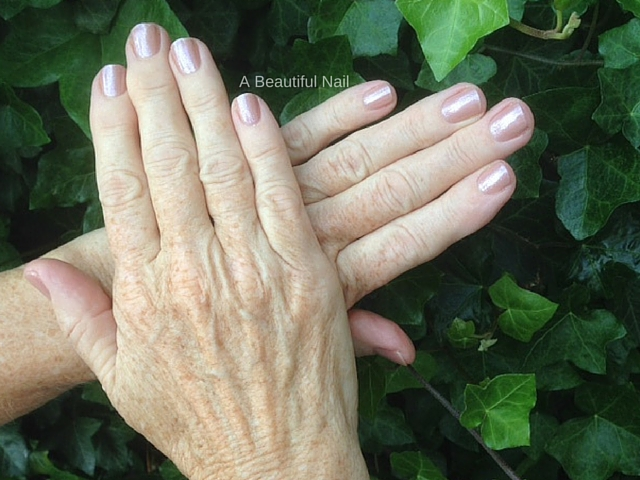 Manicure roze lak