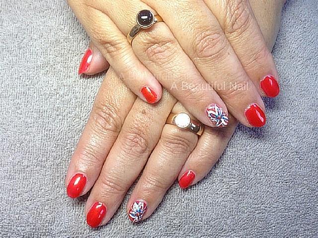 Rode gellak met nailart vinger