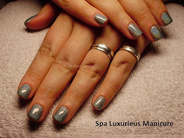 grijze nagellak manicure