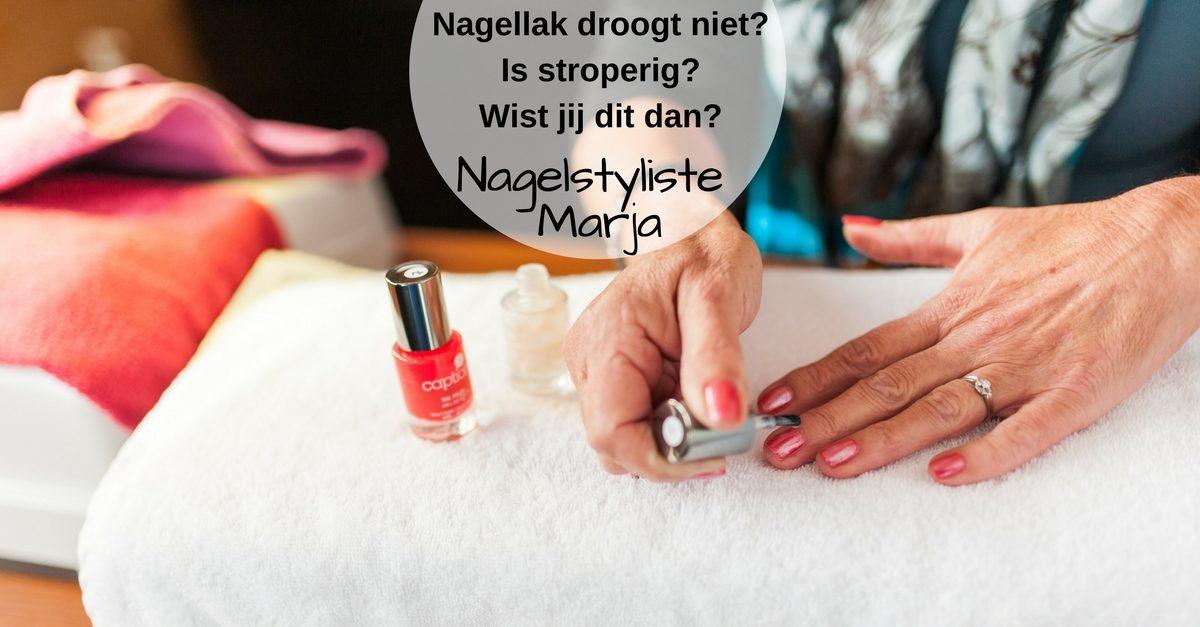Je nagellak is stroperig en droogt slecht. Flesje nagellak
