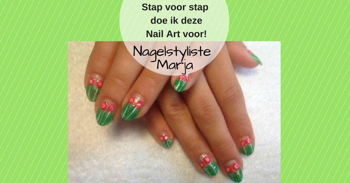 Kinder Nail Art met foto voorbeelden #1. Kinder hand met groen en rode bloemen Nail Art
