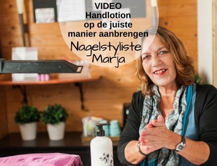 VIDEO: Handlotion op de juiste manier op je handen aanbrengen. Nagelstyliste Marja smeert handlotion op haar handen