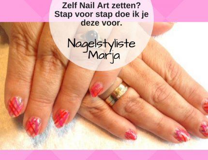 Zelf Nail Art zetten met foto voorbeelden #5. Hand met streepjes Nail Art