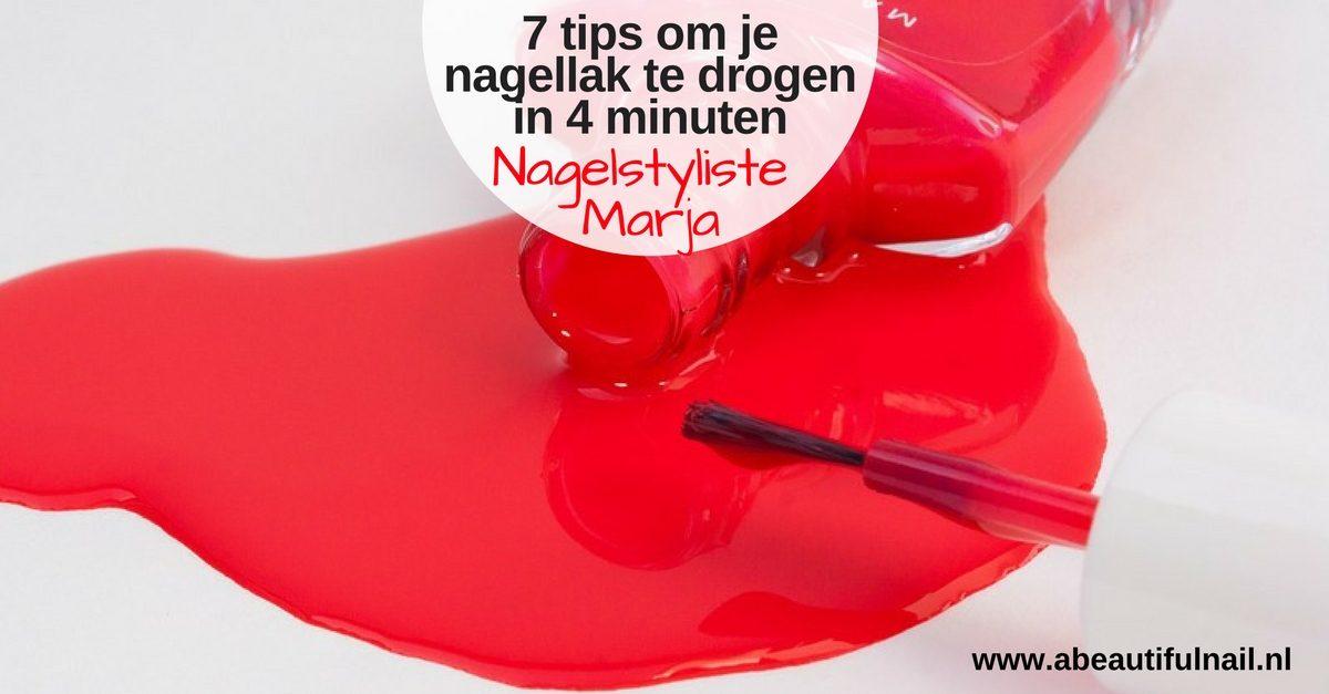 7 tips om je nagellak te drogen in 4 minuten. flesje rode nagellak