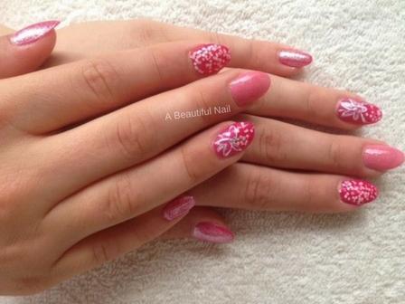 Zonnige nagels- Stap voor stap doe ik het voor . Bloem met Nail Art striper gemaakt op de ringvinger